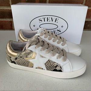 Steve Madden Sienna snake star fashion sneaker